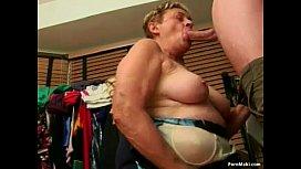 Mature women love younger porn