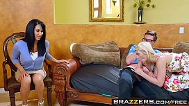 Brazzers Tempted By Teens Aubrey Gold& and& Isis Love& and& Buddy Ho ood