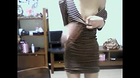 Cute Korean Girl Shows Off on Webcam - WebCamStripper.net