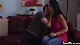 Sinful MILF Reagan Foxx is looking for someone who can quench her thristy MILF cunt. Jake Adams gave a hot hardcore fucking session.