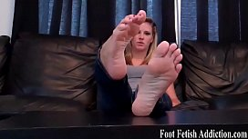 I bet you want a footjob from my perfect feet