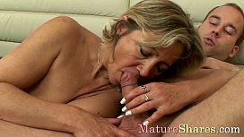 Buttfucked sexy mom screams