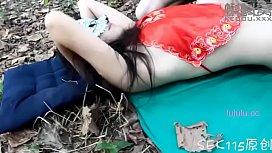 蘇晴 真空紅肚兜 樹林睡吊床 被全裸猛男發現 抱走各種姿勢亂入(上部)-成人电影 强奸乱伦 三级片