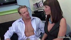 Female Casting Agent MILF Fickt Bewerber beim Casting