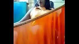 Swathi naidu exchanging saree by showing boobs,body parts and getting ready for shoot part-3