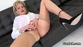 Cheating british mature lady sonia presents her huge boobs