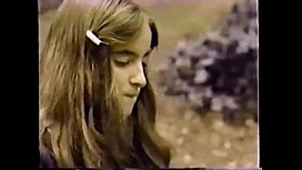 Vintage Plz tell me the name of that girl or Movie name