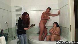 Я застукала своего мужа с подругой в ванне, порно звезда света бруссер