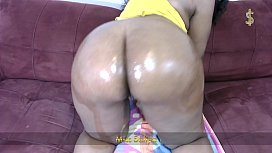 Miss Safiya Oily Ass Shaking