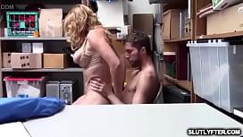 Deux femmes et un homme porno