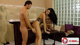 Gorgeous Jasmine Luna Gold Gets Pussy Reamed