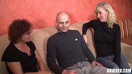 Mature german women fuck in threesome