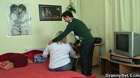 Porno gratuit mature lesbienne russe videos