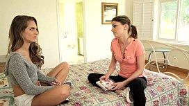 Kristen Scott makes Kimmy Granger curious Gi ay