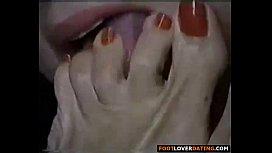 Worship my sexy mature feet (part 2)