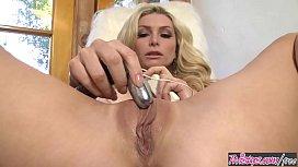 Hot blonde milf (Heather Vandeven) gives Masturbation guide - Twistys