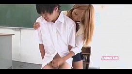 Cute Horny Japanese Babe Having Sex