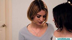 Teen loses her virginity to her stepsis