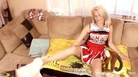420 smoking high school cheerleader fucked silly - TheShimmyShow ft. Hope Harper