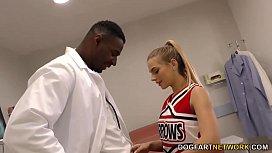 Cheerleader Teen ey Cole Fucks A Black Cock In Hospital