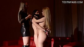 Young gi iend blowjob lesson