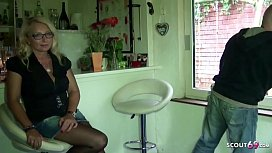 German Mature - Mega Natur Titten Ehefrau Jenny fickt mit dem Handwerker