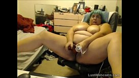 Busty BBW toys her pussy on webcam