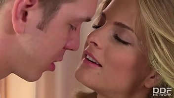 Ultra Horny Girlfriend Cayenne Klein Gets Wild For Morning Dick thumbnail