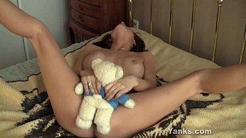 Masturbate humping - Sexy janessa masturbating her twat