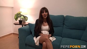 Brunette mature MILF Cloe wants to become a pornstar. Here comes her casting! thumbnail