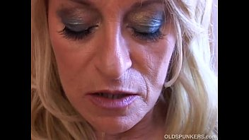 Horny cougar sex - Horny old spunker wishes you were fucking her juicy pussy tight asshole