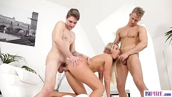 Beauty Jenny Simons in naughty bi threesome