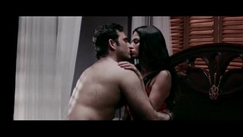 Sexy scenes of smooching bollywood siren Veena-maliks-hot-erotic-bed-scene-from-mumbai-125-km--bollywood-hindi-movie