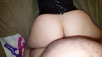 Amateur MILF taking dick from behind Vorschaubild