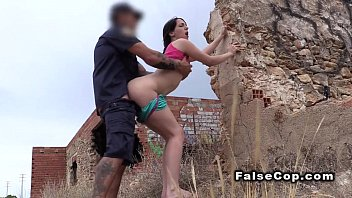 Fake cop bangs big ass babe outdoor