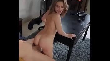 Quien es la sexy actriz que como lo mueve?