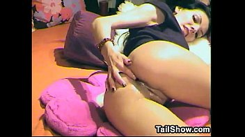 Sexy Cam Chick Toys With Her Ass