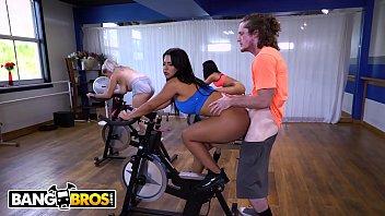 BANGBROS - Curvy Latin MILF Rose Monroe Fucked On A Spin Bike