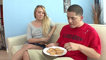Erotic dude gets a nice BJ before banging sexy blonde Kaylee Evans on a sofa