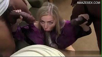 Loura seduzida no gang bang com bbc