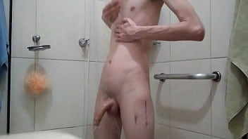 Novinho tomando banho 2