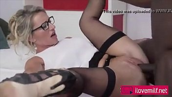 Interracial couple : Hot Blonde Milf screwed by his black guy !
