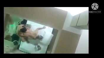 Após ser abordada em uma blitz ,casada vai para o motel com o PM e manda vídeo para o marido em casa.