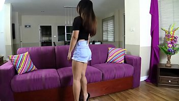 Young Thai girl's first sex video