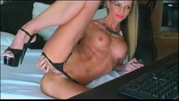 Very hot blonde camgirl dildoing pussy