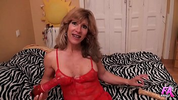 MATURE Beatriz also ended up drilling herself with our enormous dildos