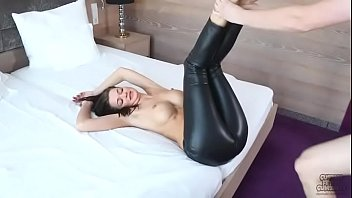 Awsome ass in Leather Leggins
