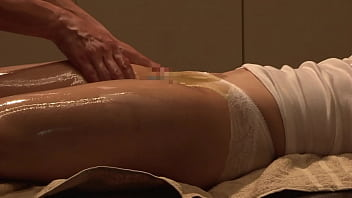 https://bit.ly/31H6WbM 南青山豪华香薰油性感按摩第1部分 亵和高档的性服务吸引着名流优雅的妻子。 18分钟