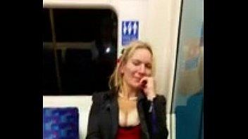 Blond showing her pussy in subway Vorschaubild