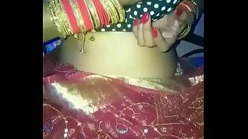 नयी नवेली दुल्हन अपने पति के लिए हिन्दी आडियो के गंदी गाली वाली विडियो बनायी